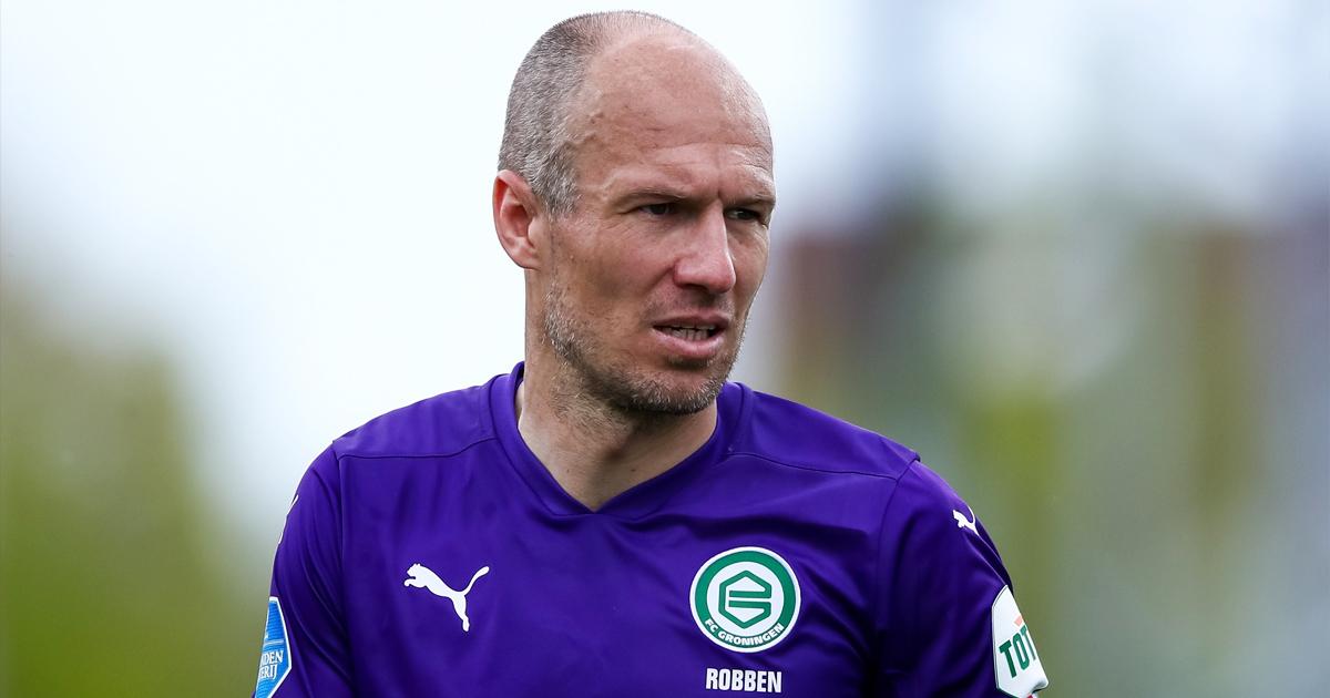 """Arjen Robben lần thứ hai tuyên bố """"treo giày"""""""