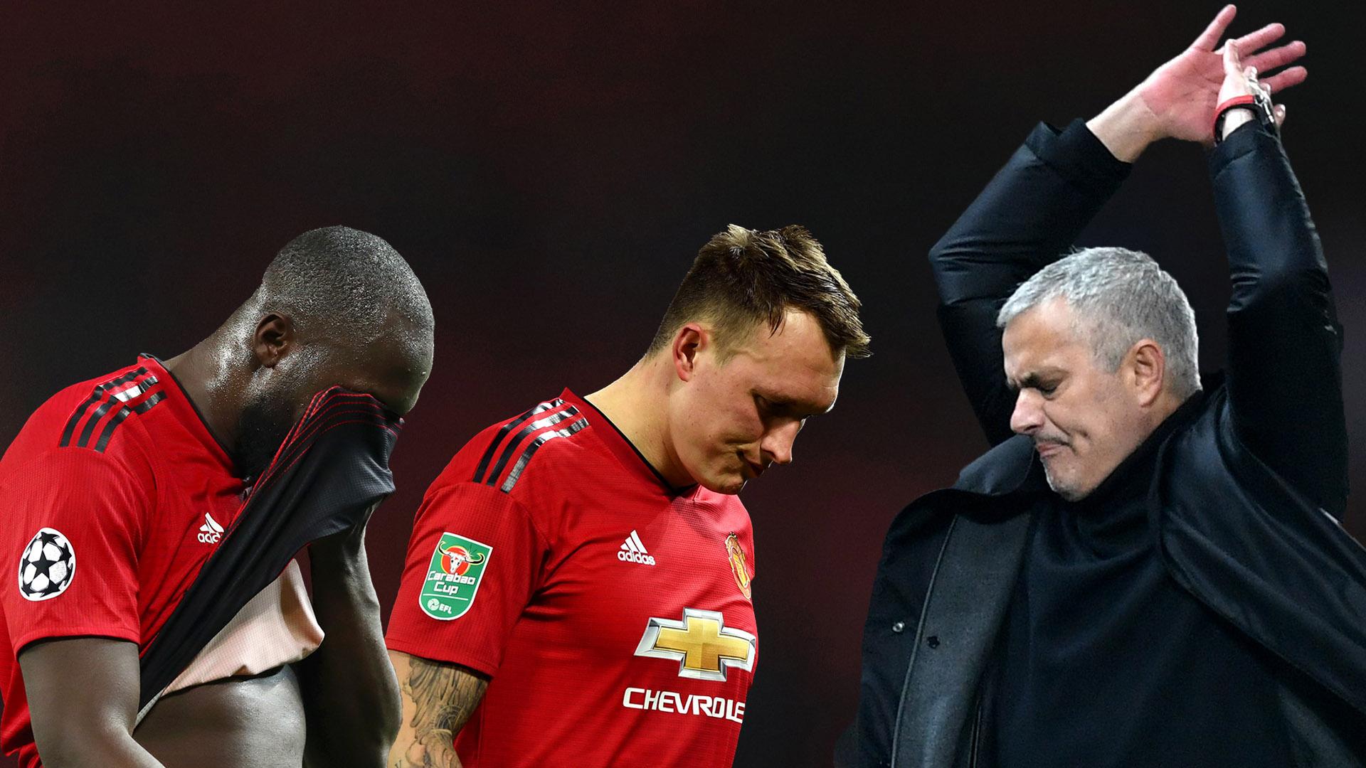 """Mourinho tự nhận mình là """"nạn nhân"""" tại MU"""