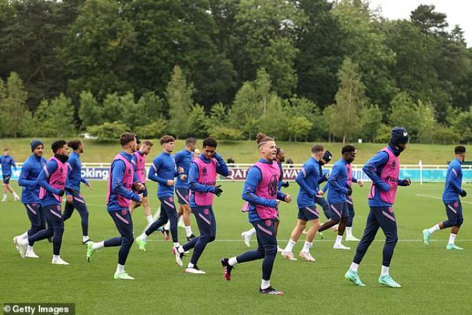 ĐT Anh có sự trở lại của bộ đôi Chelsea trước vòng 1/8