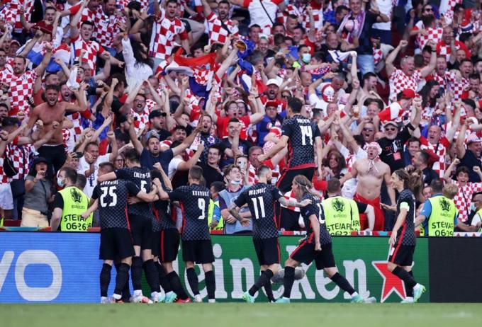 Tuyệt vời rồi, về thôi Đội trưởng Luka Modric!
