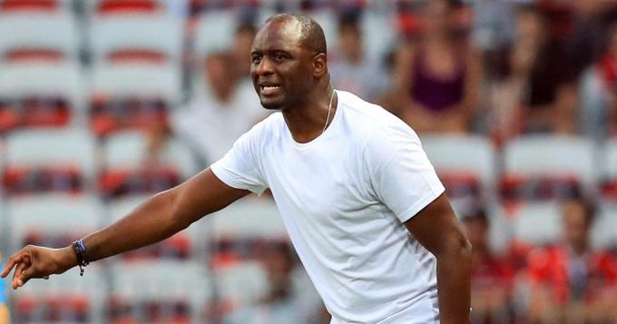 Cựu danh thủ Patrick Vieira chính thức dẫn dắt Crystal Palace
