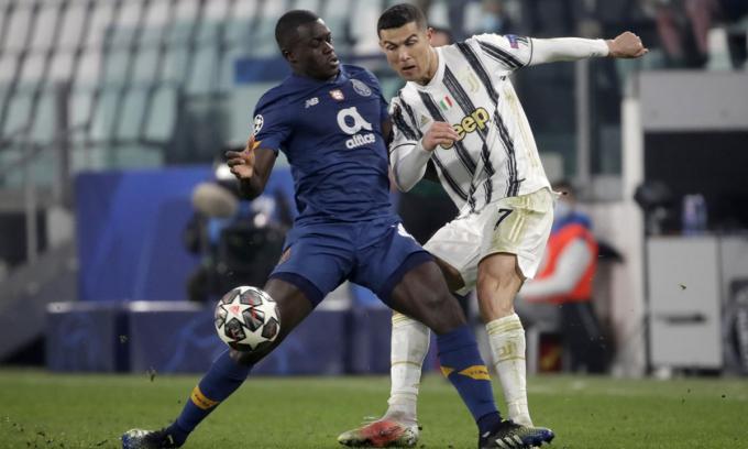 Chelsea trình làng cầu thủ khiến Ronaldo bế tắc khi đối đầu