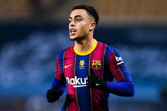Nóng: Hậu vệ Barca ra quyết định về việc gia nhập Arsenal