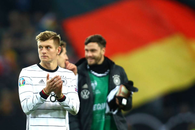 Toni Kroos chia tay đội tuyển Đức