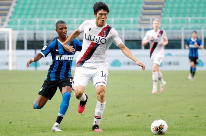 CHÍNH THỨC: <b>Arsenal chiêu mộ thành công Takehiro Tomiyasu</b>