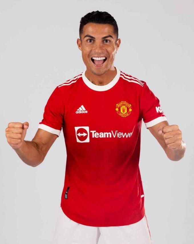 <b>Ronaldo ra mắt Man United</b> trong áo đấu mới cực chất