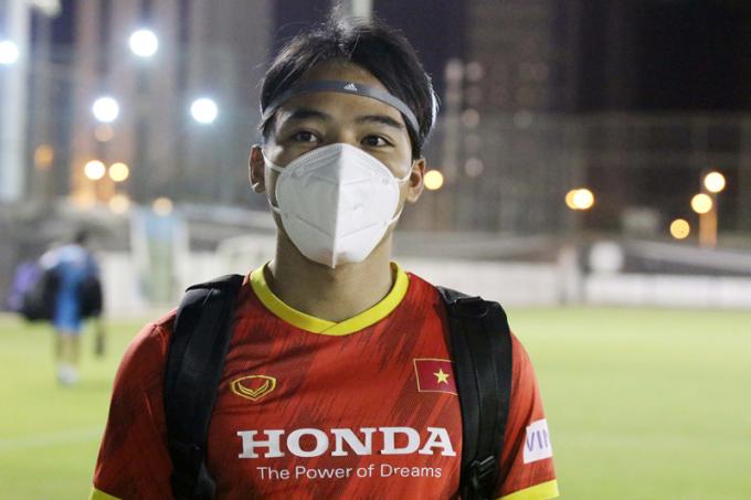 """Tân binh của ĐTQG Việt Nam: """"Cậu ấy là <b>hình mẫu của tôi từ bé</b>"""""""