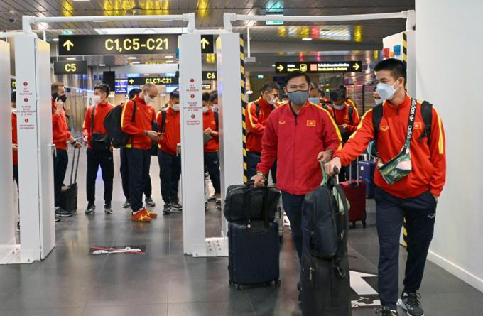 ĐT Futsal Việt Nam <b>đặt chân đến nước chủ nhà</b> World Cup 2021