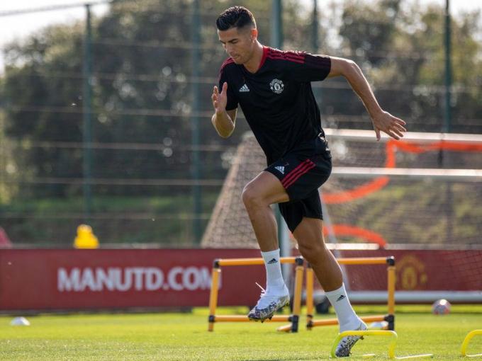 Ronaldo thừa nhận <b>gây áp lực lên Solskjaer</b> để được đá chính cho MU