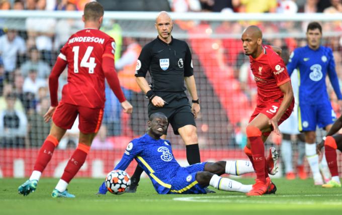 CĐV Chelsea <b>buồn vui lẫn lộn</b> trước ngày Ngoại hạng Anh trở lại