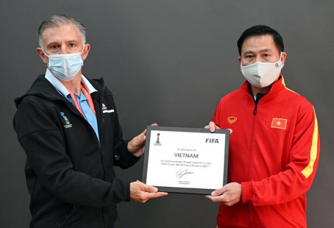 <b>Hé lộ màu áo thi đấu</b> của ĐT Futsal Việt Nam tại World Cup 2021