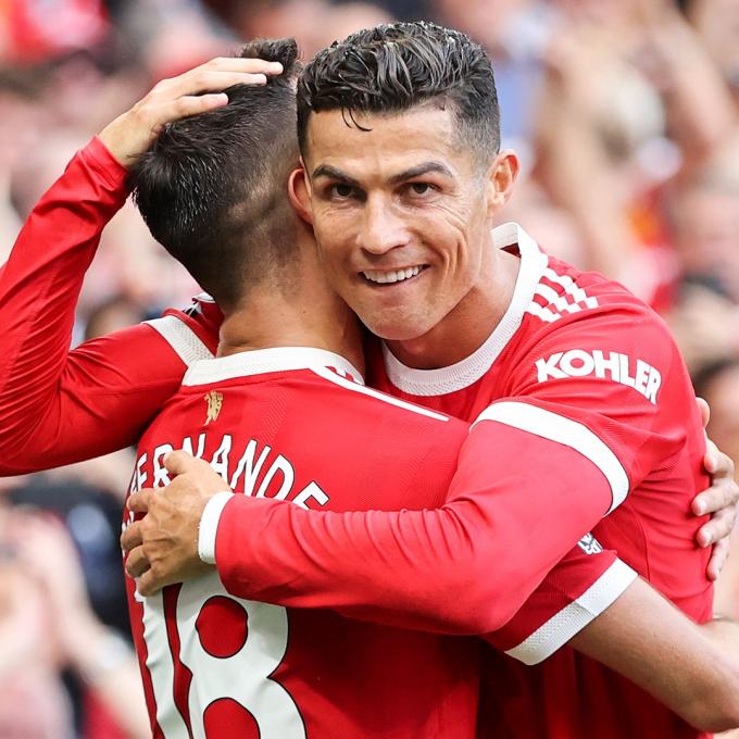 Ronaldo gửi <b>tâm thư xúc động tới CĐV MU</b> sau màn ra mắt ấn tượng