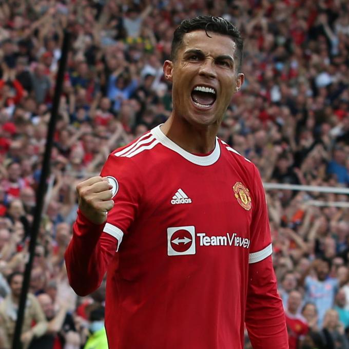 """Cựu sao Arsenal tự <b>""""chữa quê"""" sau khi chê Ronaldo quá già</b> để trở lại MU"""