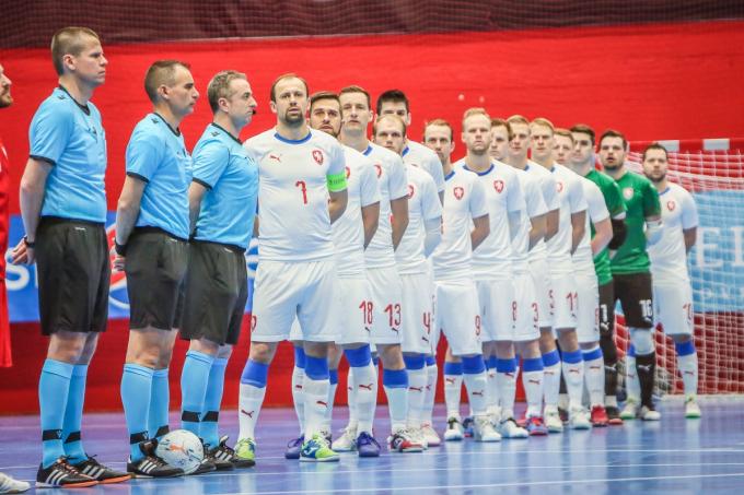 Thuyết âm mưu: <b>CH Séc cố tình thua Việt Nam</b> để né gặp ĐT Futsal số 1 thế giới?