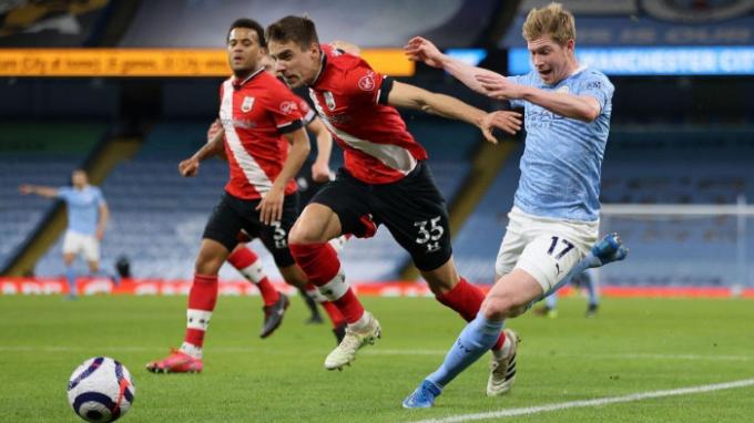 Man City thiệt hại nặng nề trước trận gặp Chelsea