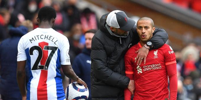 Klopp báo <b>tin dữ về Thiago, lỡ ít nhất 2 trận đại chiến</b> của Liverpool