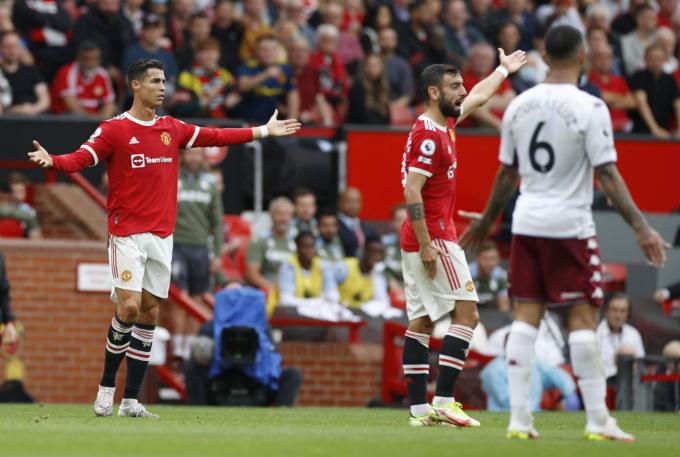 <b>Man United 0-1 Aston Villa</b>: Quỷ đỏ bại trận trong ngày Bruno sút hỏng pen