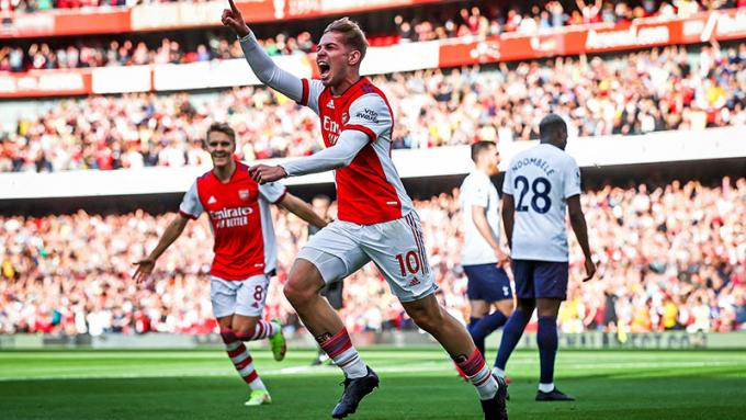 Arsenal phô trương sức mạnh tại sân nhà