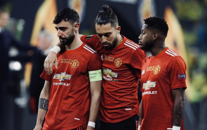 UEFA công bố BXH các CLB: <b>Man United tụt xuống vị trí thứ 10</b>