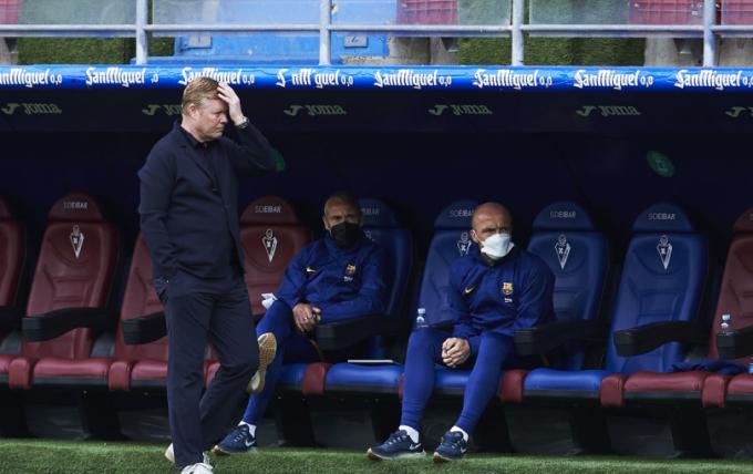 Vì lí do này, Barcelona chắc chắn <b>không thể sa thải Koeman</b>
