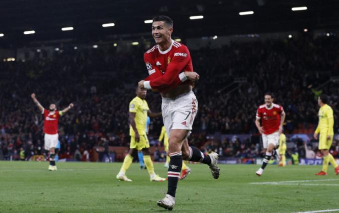 Ronaldo lại ghi bàn, Usain Bolt <b>rối rít cảm ơn Sir Alex Ferguson</b>