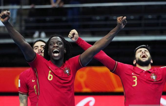 <b>Futsal Bồ Đào Nha gặp Argentina</b> ở chung kết World Cup