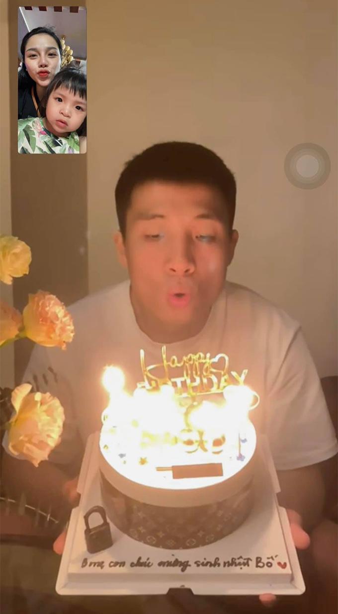 HLV Park Hang-seo <b>làm điều khó hiểu</b> trong ngày sinh nhật của Bùi Tiến Dũng