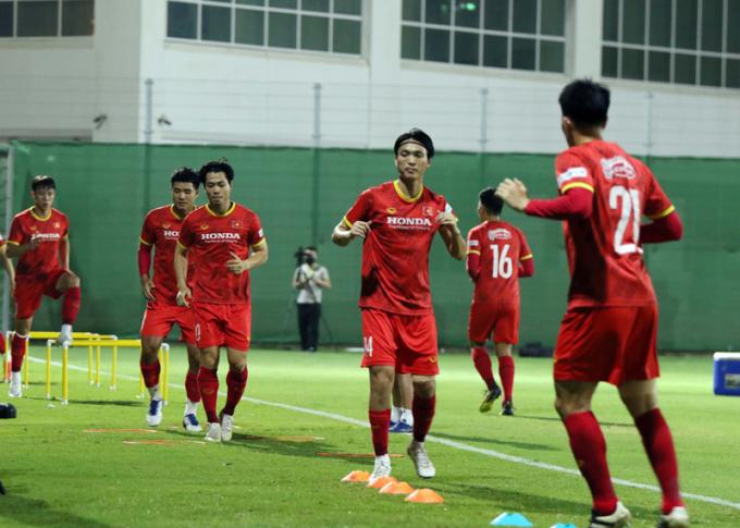 ĐT Việt Nam <b>rèn chiêu độc</b> để đấu Trung Quốc