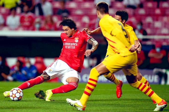 Man United thèm khát viên ngọc quý của Benfica: <b>hậu bối của Edinson Cavani</b>