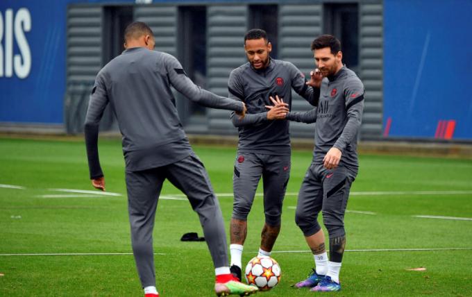 Bản tin sáng ngày 07/10: <b>Thực hư về bất hòa giữa Neymar và Messi; ĐT Việt Nam nhận quà Thái Lan</b>