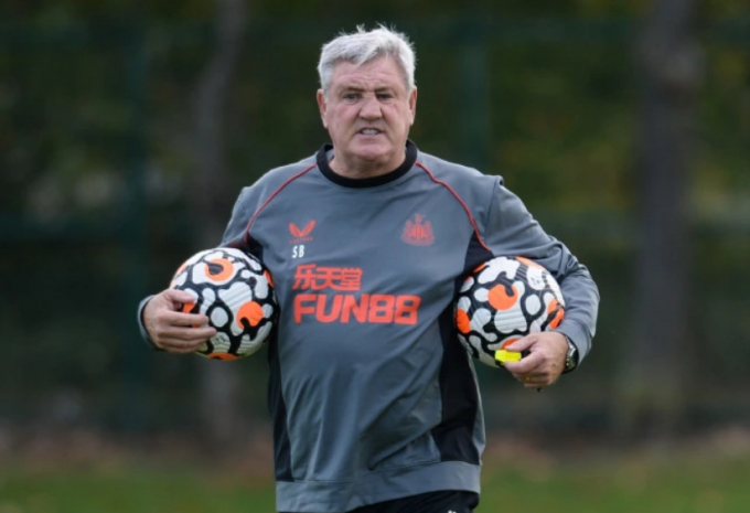 <b>Steve Bruce sẽ bị sa thải</b> ngay sau khi Newcastle United hóa rồng