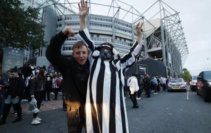 Vừa đổi chủ, Newcastle United <b>sẵn sàng mua ngay Philippe Coutinho</b>