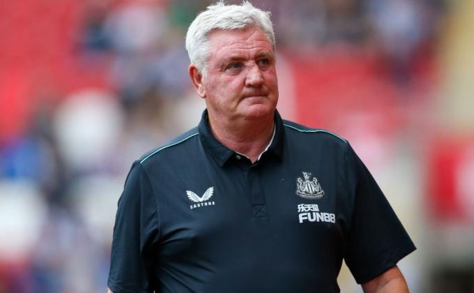 Vì sao Steve Bruce vẫn chưa <b>bị Newcastle United sa thải?</b>