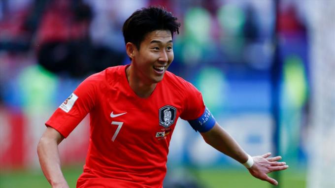 NÓNG! Tiến Linh đua với Son Heung-min giải <b>cầu thủ xuất sắc châu Á</b>