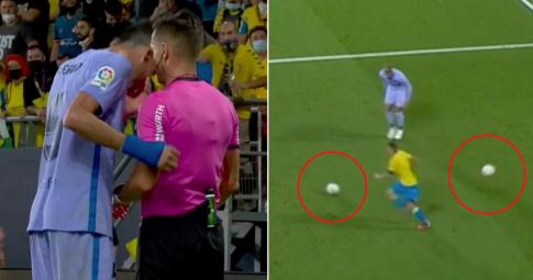 <b>Sergio Busquest giở tiểu xảo không tưởng</b> giúp Barca thoát thua ở phút 90+5
