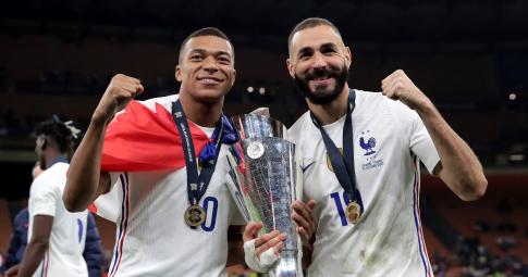 Benzema và Mbappe tỏa sáng giúp <b>Pháp lên ngôi vô địch Nations League</b>