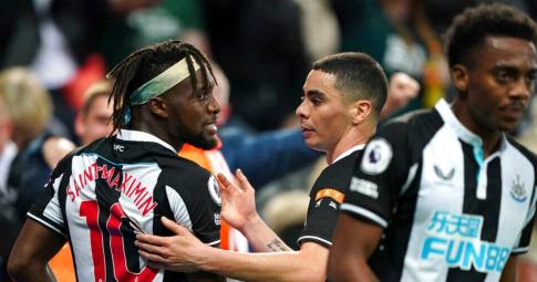 Cầu thủ Newcastle đang nổi loạn