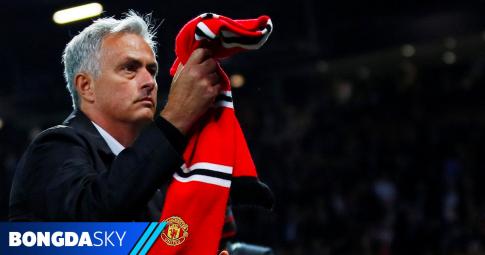 Nói một câu, Mourinho khiến fan MU ấm lòng