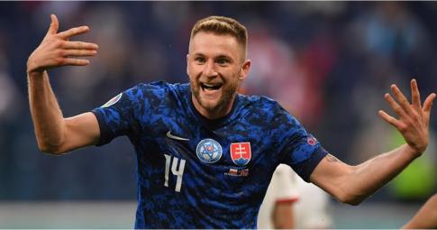 Chỉ số ấn tượng của người khiến Lewandowski ôm hận tại trận ra quân EURO 2021