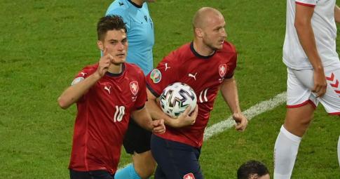 CH Séc bất ngờ có bàn rút ngắn tỷ số do công của Patrik Schick