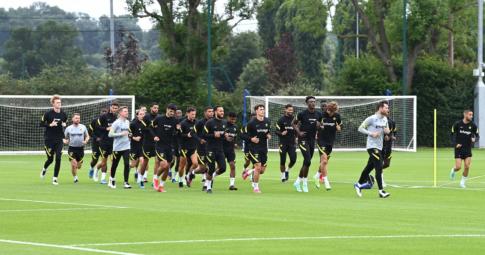 Dàn sao Chelsea bắt đầu tập luyện chuẩn bị cho mùa giải mới