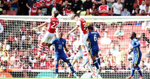 Arsenal 1-2 Chelsea: Bữa tiệc bóng đá tấn công hấp dẫn