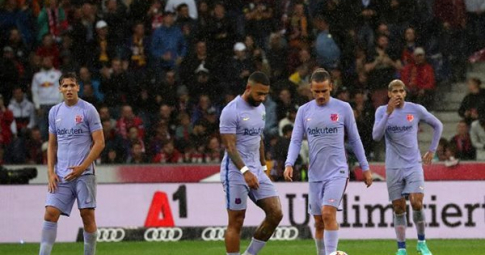 Salzburg 2 - 1 Barcelona: Depay và Griezmann tịt ngòi trong trận thua của Barca