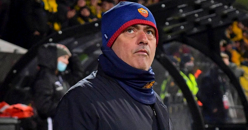 Mourinho thừa nhận Roma chỉ có 13 cầu thủ đẳng cấp sau thảm bại 1-6